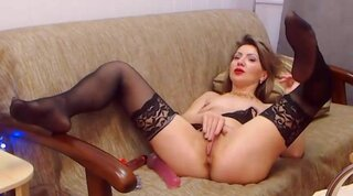 DaisyShawn – Kinky Milf Has A Wet Pussy To Fuck